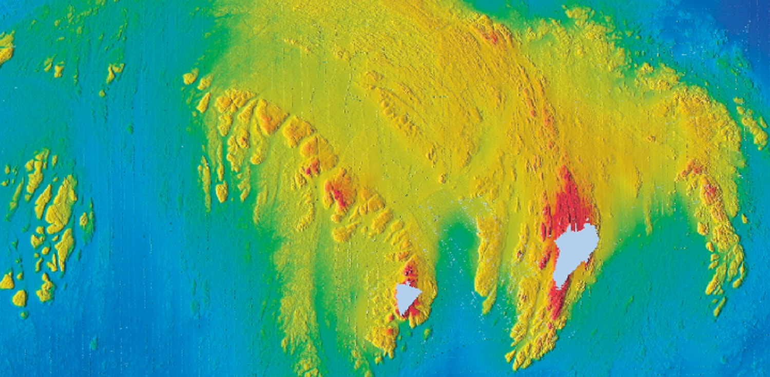 High resolution mapping and new discoveries at Rockall